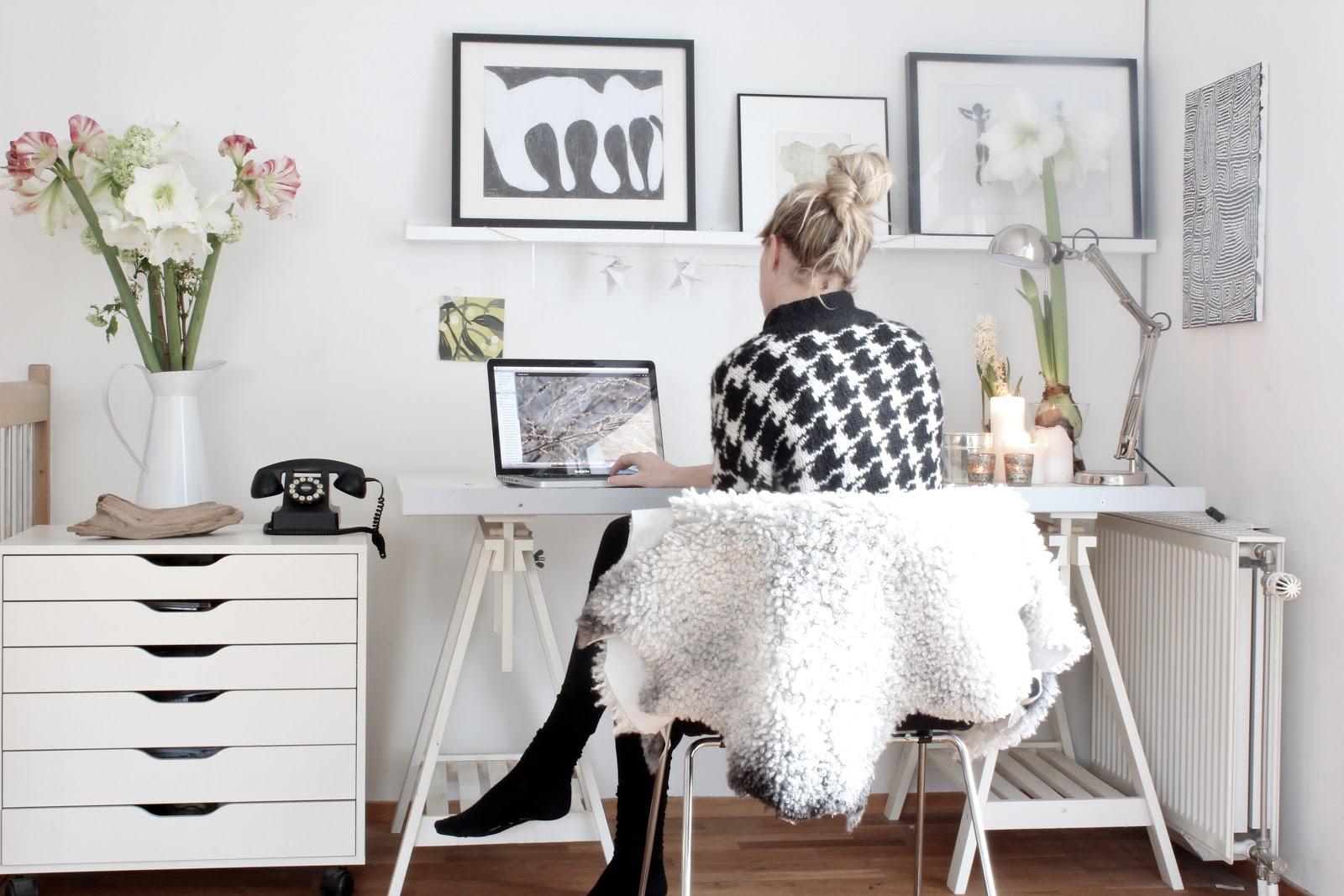 Simple Elegant Home Office Design